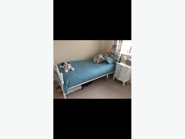 bedroom items
