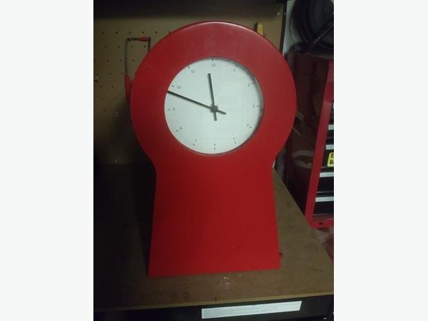 metel storage clock