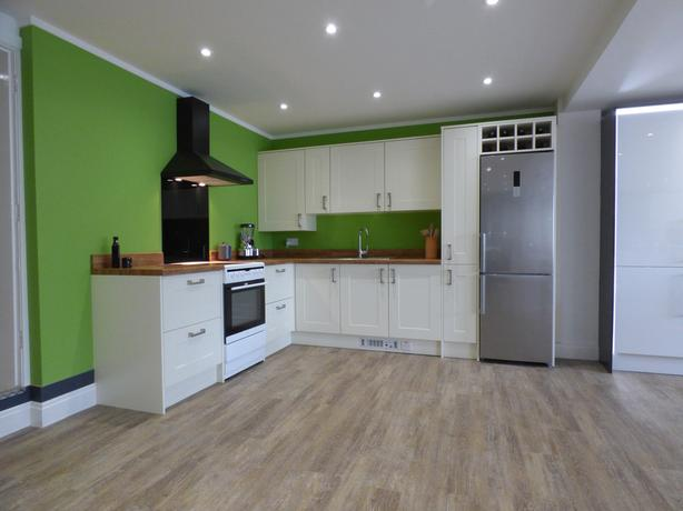 Ex Display Portland Kitchen With Appliances