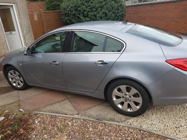 Vauxhall insignia se petrol and lpg