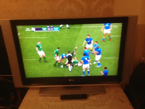 37 INCH LG LCD TV HD READY MODEL RZ-37LZ55  WITH REMOTE CONTROL SMETHWICK £75