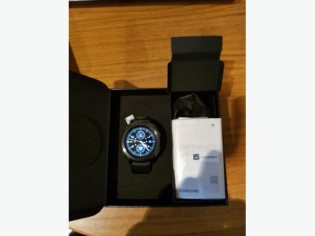 Samsung gear sports smart watch R600