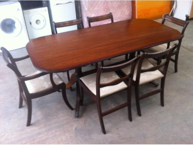 6ft MAHOGANY DINING TABLE & 6 CHAIRS ~~ GOOD CONDITION ~~ CAN DELIVER