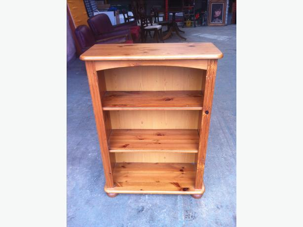 SOLID PINE BOOKCASE \ WALL SHELVING UNIT ~ GOOD CONDITION ~~ CAN DELIVER