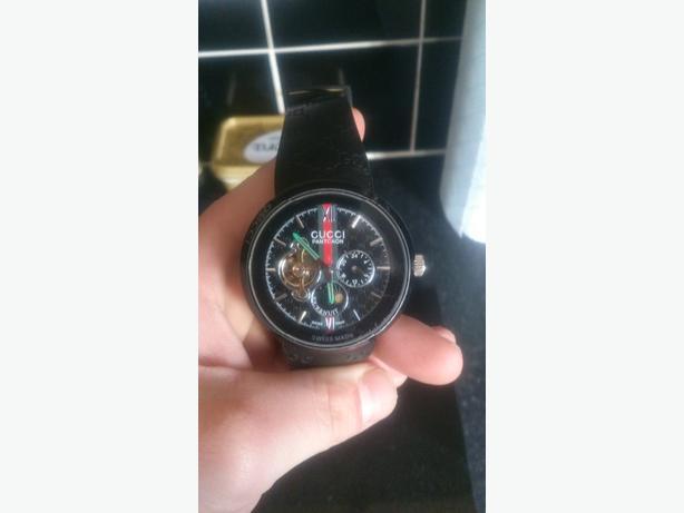 Gucci Pantcaon automatic wrist watch