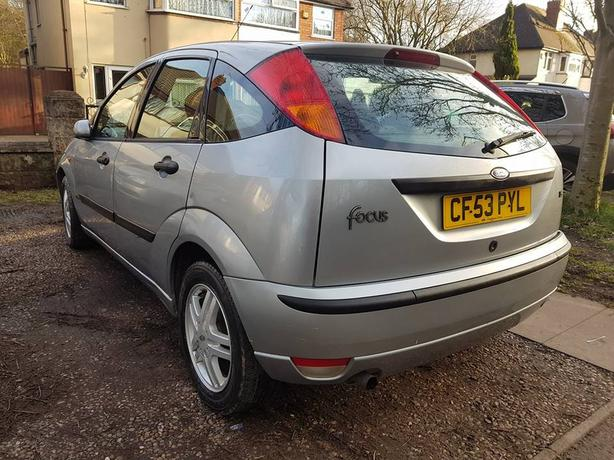 ford focus 1.6 petrol manual 2004 plate 5 door hatch cheap runabout
