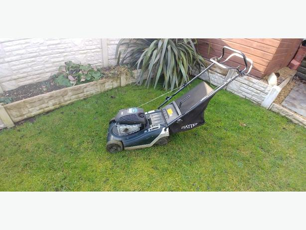 Hayter sprint self-propelled lawnmower