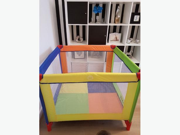 travel square cot..with comfy mattress