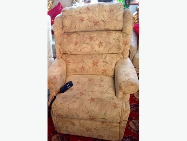 Electric Chair, Dual Motor & Rise Recline. (Celebrity)