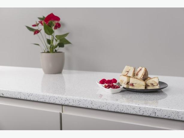 Kitchen Unit Worktop - White Sparkle Quartz 40mm - BRAND NEW