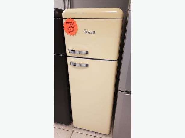 BRAND NEW Swan SR11010ON Retro Cream Fridge Freezer with WARRANTY