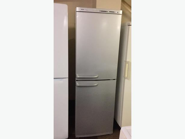 BOSCH SILVER TALL FRIDGE FREEZER IN GREAT CONDITION 🇬🇧🇬🇧🌎🌎🇬🇧🇬🇧