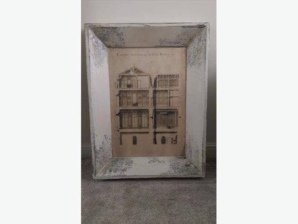 Shabby Chic Solid Wood Frame with lovely Avant-Garde Image