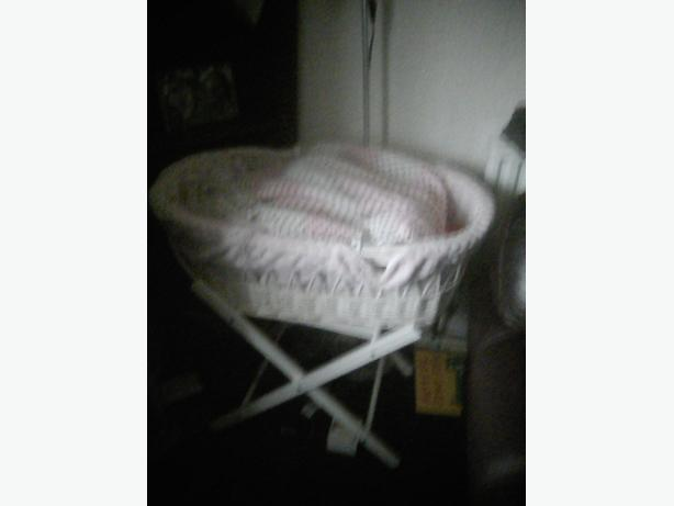 beautiful pink moses basket and stand