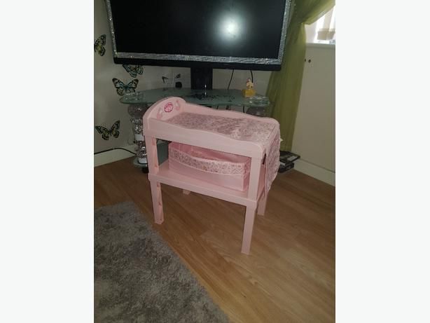 Baby anabell changing table