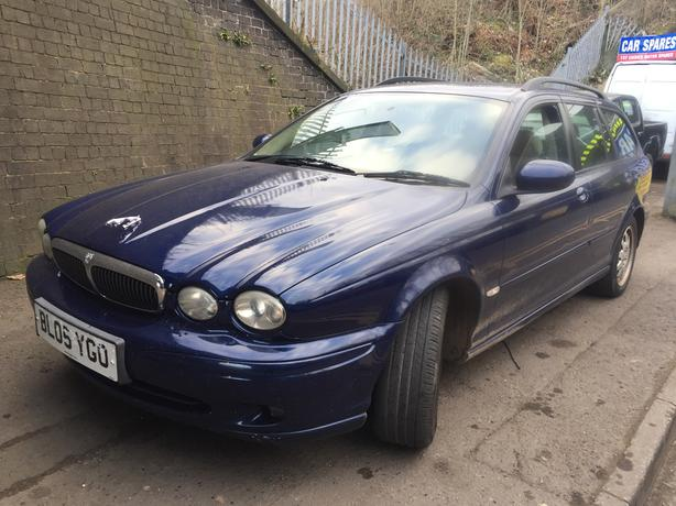 jaguar x-type 2005 2.0 diesel blue 5dr Breaking For Spares - wheel nut