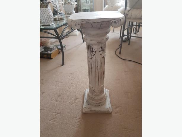colum stand  ideal weddings plants