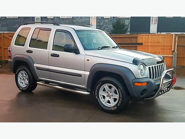 JEEP CHEROKEE SPORT 2.8 TD AUTOMATIC (SUPERB CONDITION)