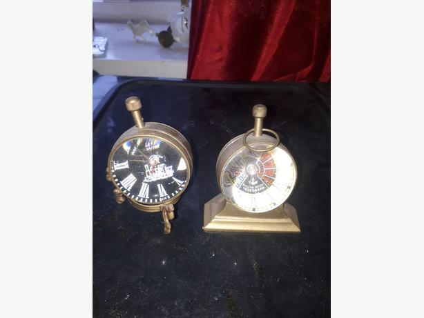 vintage rear small brass round wind up clocks