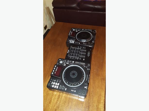 *BARGAIN* DENON SC2900 DJ DECKS