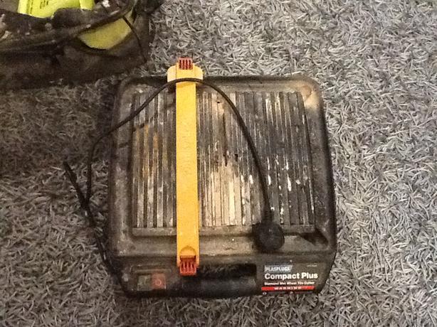 Tile cutter 240 volt