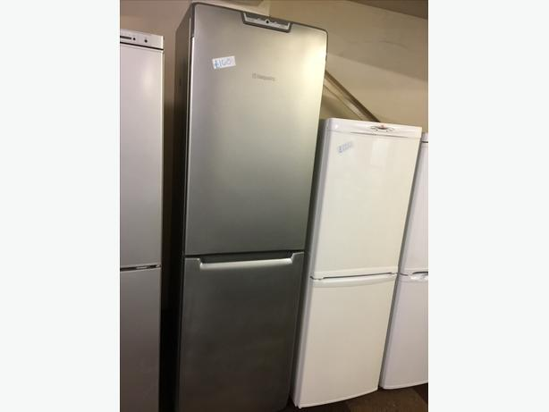 TALL SILVER HOTPOINT FRIDGE FREEZER GOOD CONDITION🌎🌎PLANET APPLIANCE🌎🌎