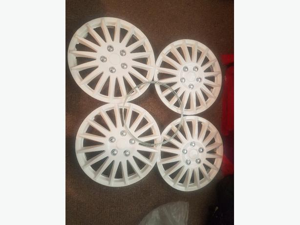 brand new set of 4 15inch white wheel trims