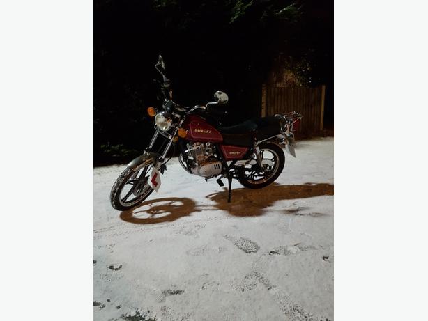 2008 suzuki gn 125