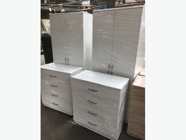 QUALITY 2 DOOR WARDROBE AND 4 DRAWER CHEST - £125