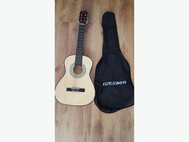 """34"""" Play On Wooden Guitar & Bag"""
