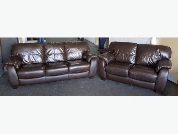 STUNNING DFS Brown Leather 3&2 seater Sofa Set .WE DELIVER