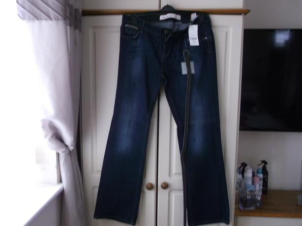 """BNWT """"NEXT"""" SIZE 16 LONG BOOTCUT JEANS WITH BELT"""