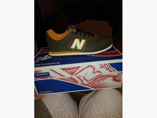 Boys newbalance trainers