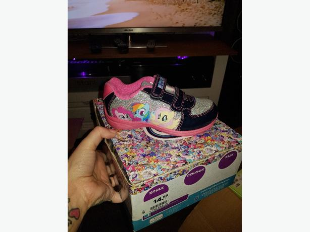 pony trainers toddlers size 9