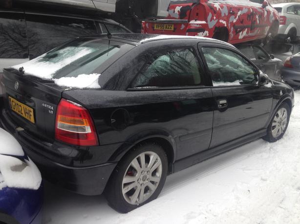 vauxhall astra 2002 mk4 sri 3door black 1.8 petrol breaking for spares
