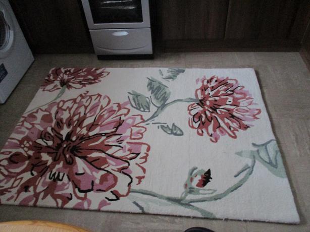 2 heavy duty rugs