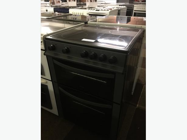 LOVELY BLACK AND DARK GREY LOGIK ELECTRIC 60 CM WIDE COOKER