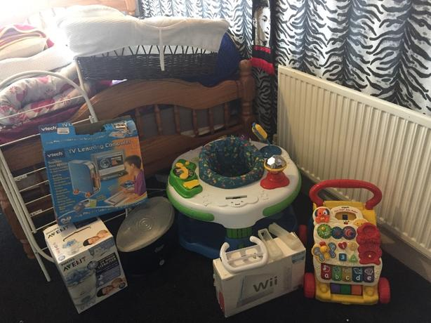 baby things and wii console