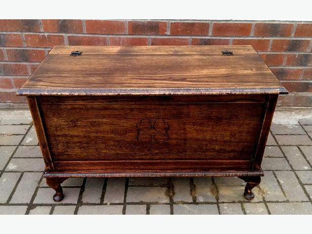 Solid oak chest / trunk.