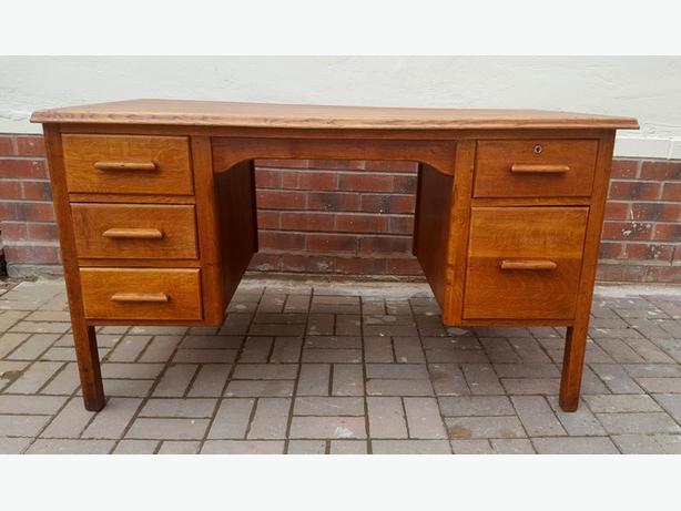 Solid oak - desk.