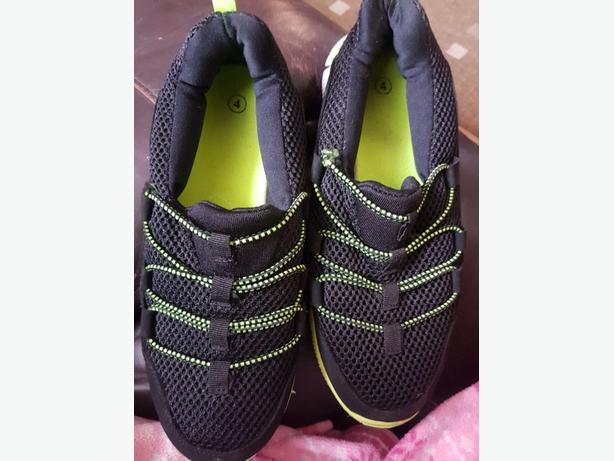 boys beach shoes