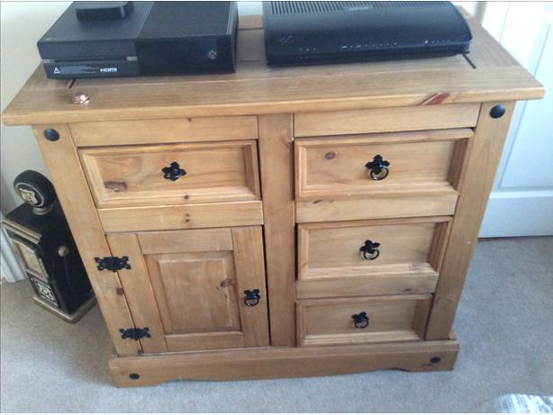 Corona Style TV Cabinet