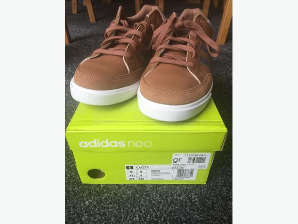 BOXED as new ADIDAS NEO CACITY Trainers size 9 Men's