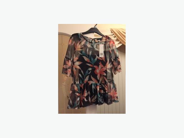 BNWT size 10 Peplum mesh blouse / top (2 layers) F & F
