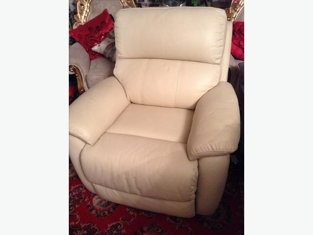 Real Leather Chair, Like New. (Recliner)