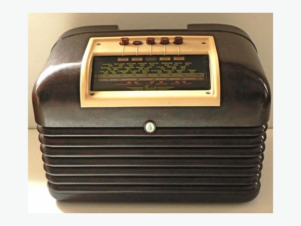 BUSH BAKELITE 50's RADIO IN PERFECT WORKING ORDER.