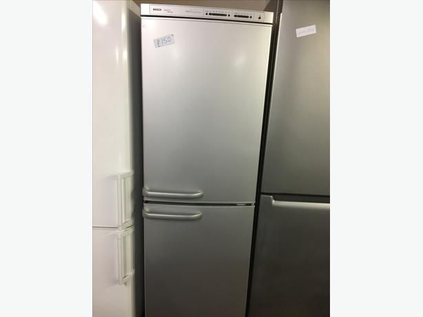 BOSCH HALF AND HALF FRIDGE FREEZER GOOD CONDITION🌎🌎PLANET APPLIANCE🌎🌎