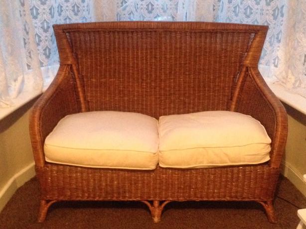 wicker settee