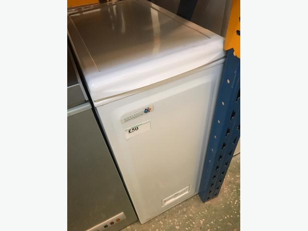 🌎mini chest freezer very rare
