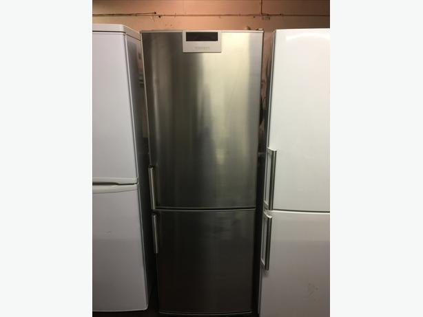 STAINLESS STEEL FRIDGE FREEZER GOOD CONDITION🌎🌎PLANET APPLIANCE🌎